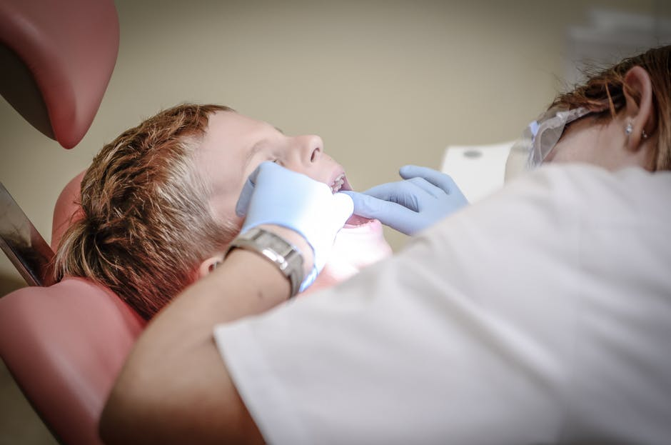 Ways Of Identifying The Right Dentist